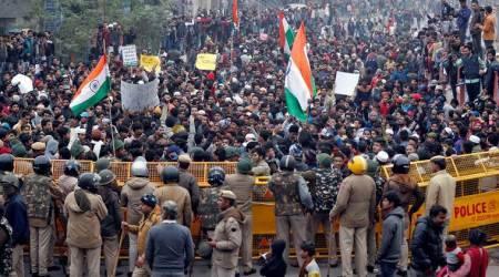 दिल्ली एनसीआर के कुछ हिस्सों में इंटरनेट सेवाओं को निलंबित करने के कारण किसानों की ट्रैक्टर रैली हिंसक हो गई