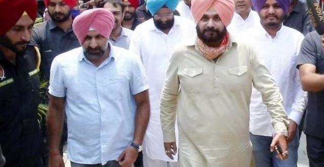 पंजाब: कमान मिलते ही सिद्धू ने नेहरू के साथ पिता की तस्वीर को किया शेयर, आलाकमान को कहा शुक्रिया
